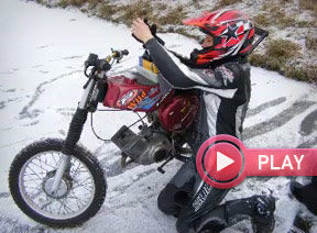 Video-Thumbnail Simson S70 on Ice. Grü�e nach Ungarn :)